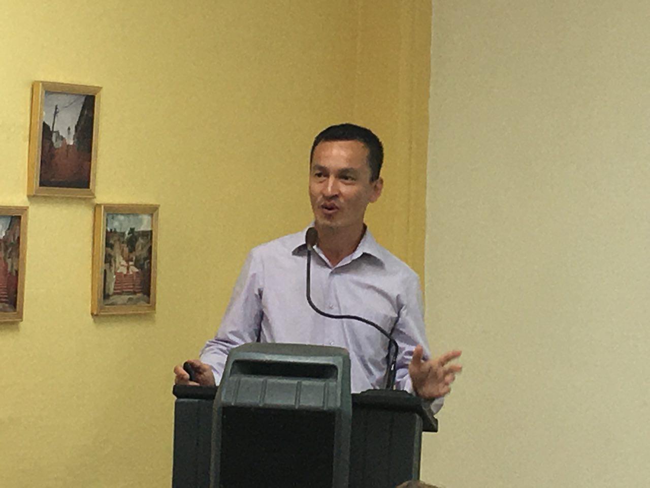 Dr. Joaquin Chong